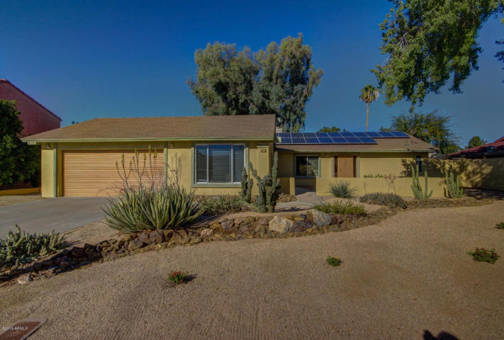Remodeled Phoenix Home With Solar Panels